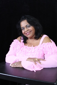 Author Raynetta Manees CLICK picture to go to interview